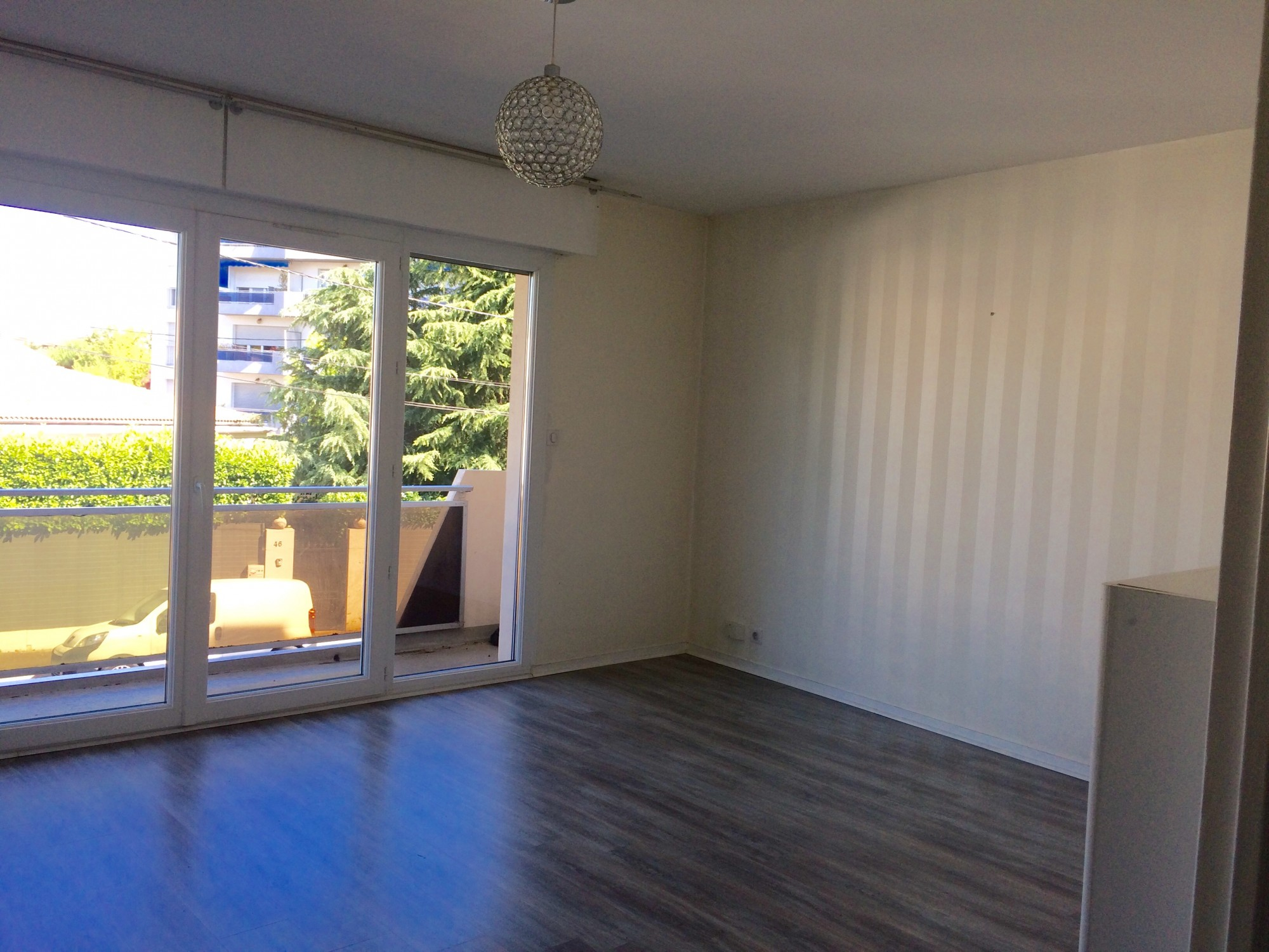 Location appartement t2 t2 f2 bordeaux caud ran bru for Location f2 bordeaux